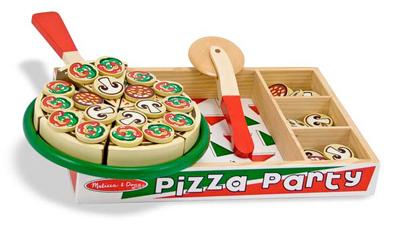 pizza de madera con toppings